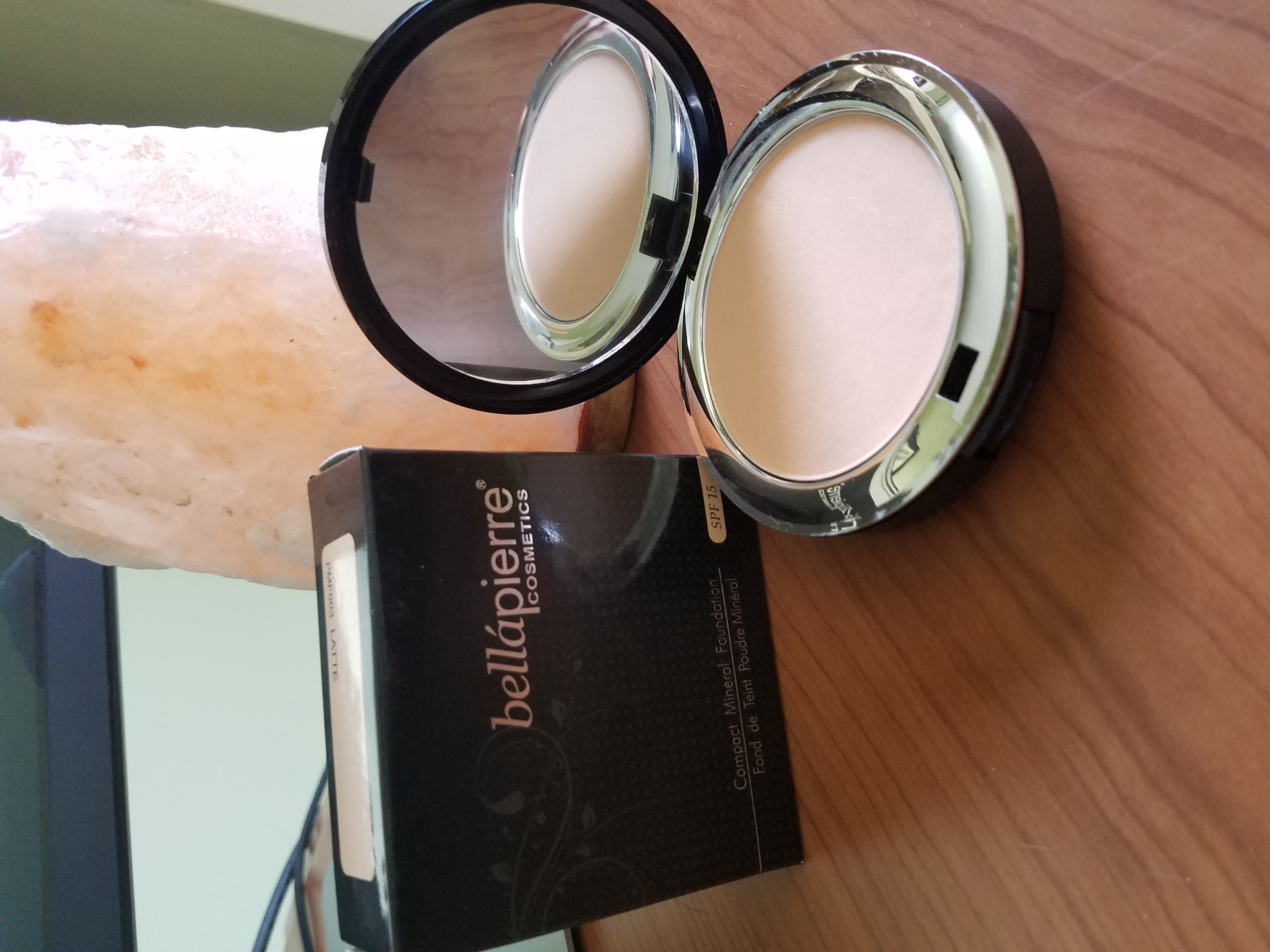 Bellapierre mineral foundation in latte