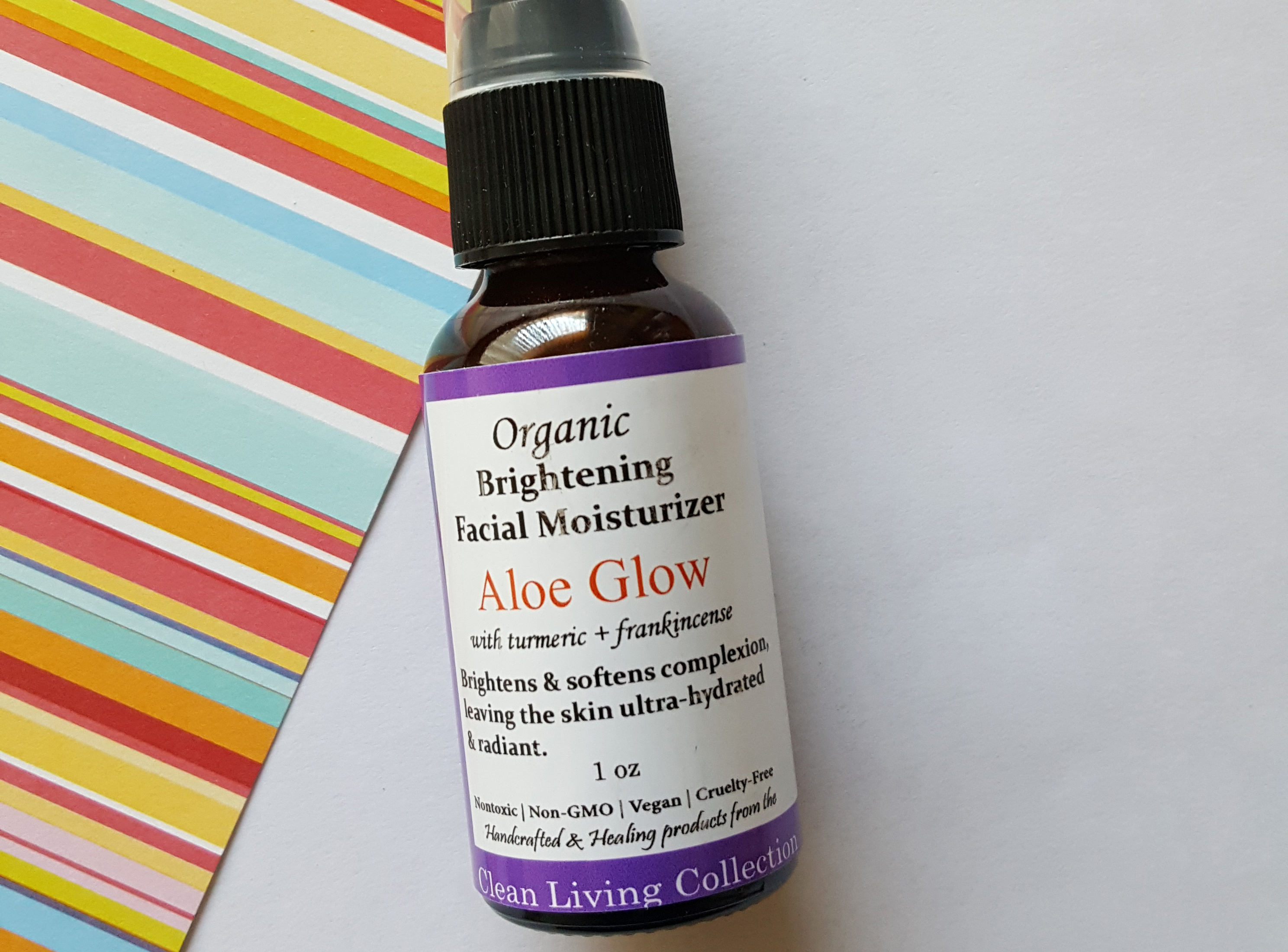 •	Clean Living Collection Organic Brightening Facial Moisturizer Aloe Glow